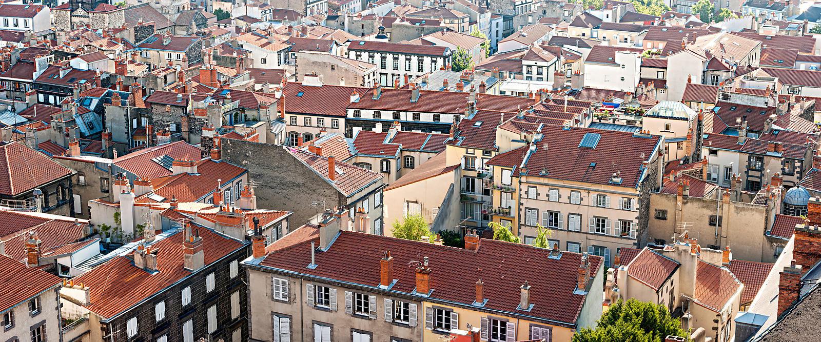 Phototh que arnaud frich panorama des toits de clermont for Casiers de rangement clermont ferrand