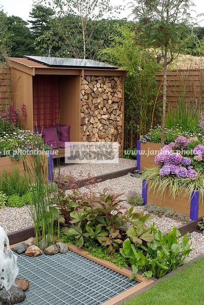 la photothèque | LES PLUS BEAUX JARDINS | Abri de jardin dans un ...