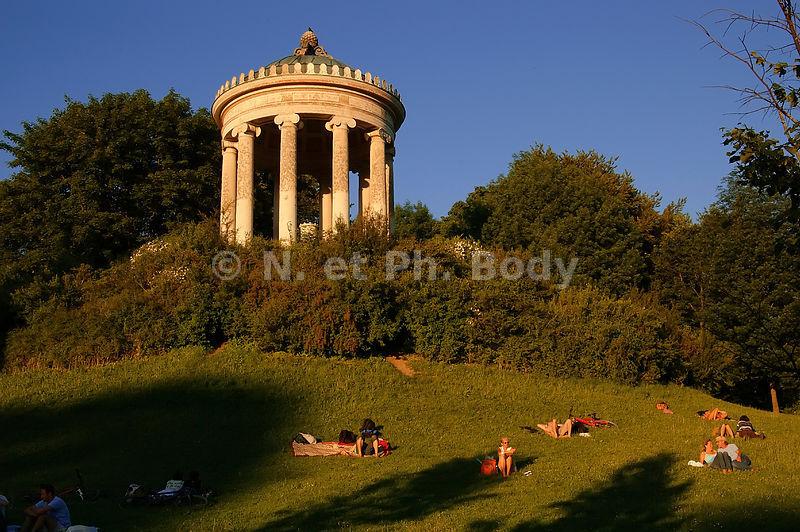 Philippe body photographies allemagne munich jardin for Le nouveau jardin anglais