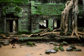 Ta Prohm sweeper