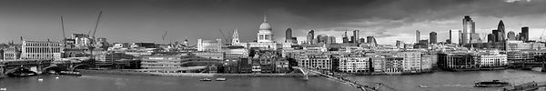 Thames with St Paul's panorama