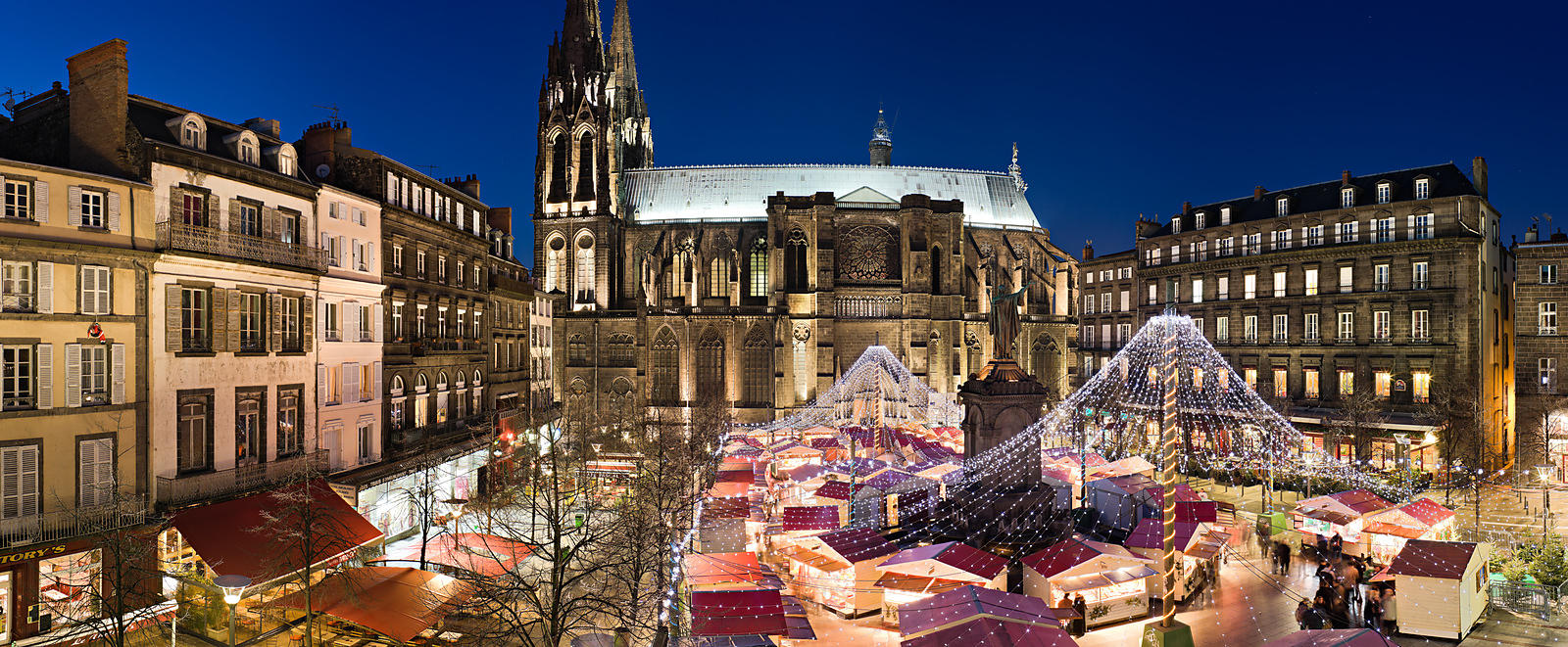 Photostock arnaud frich place de la victoire at christmas clermont ferrand - Magasin de meuble a clermont ferrand ...