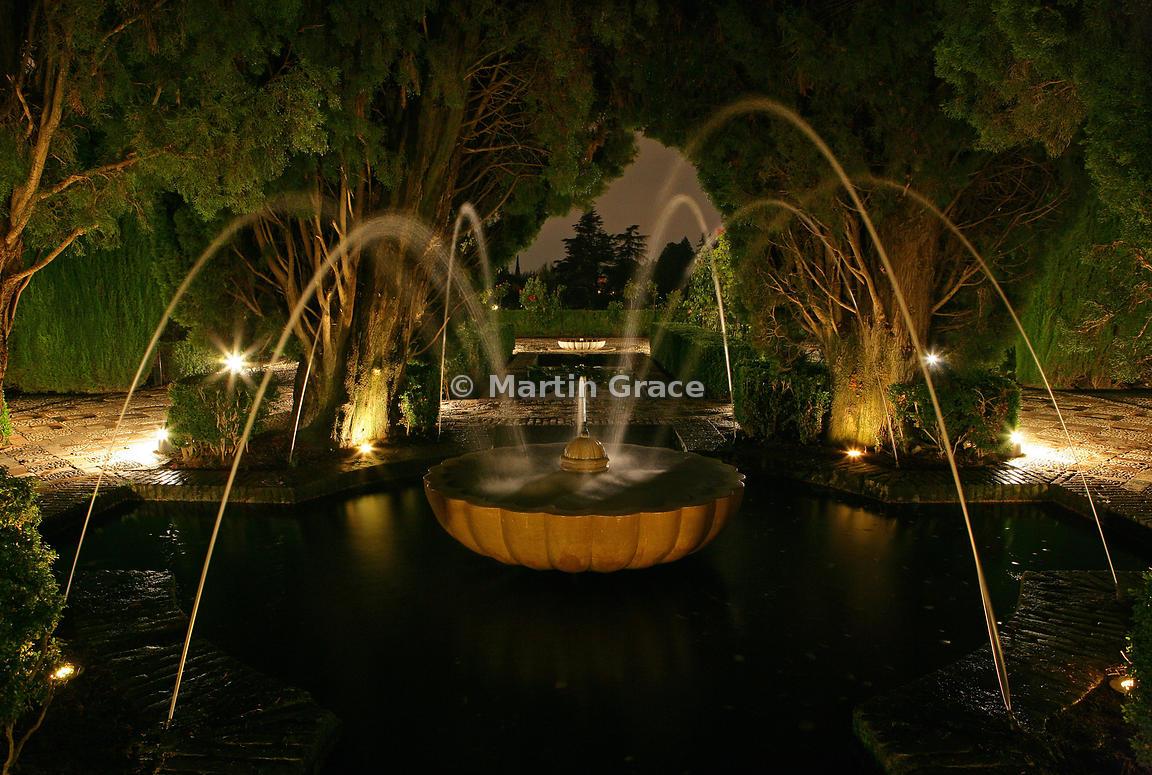 Martin Grace Photography   Illuminated fountain in the Generalife ...