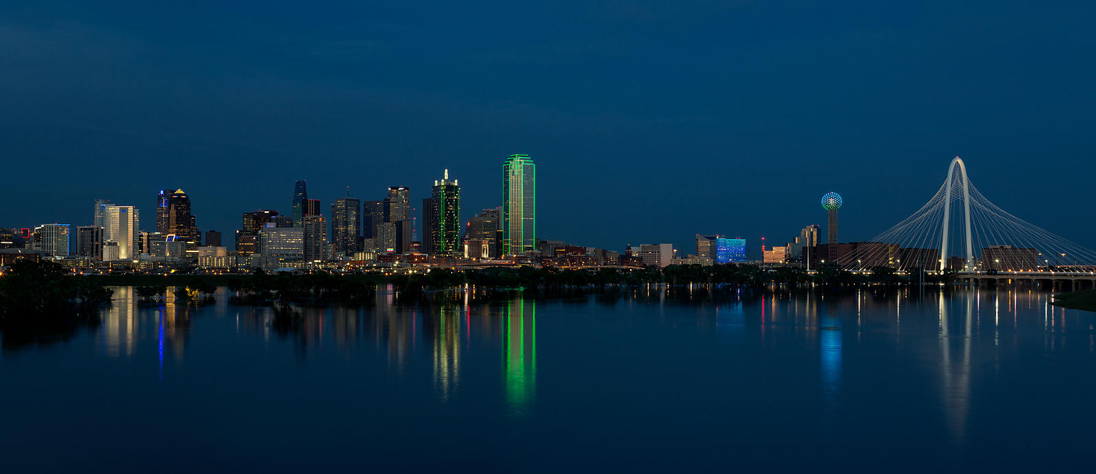 clark crenshaw photography dallas skyline reflections