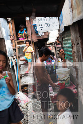 Street scene in Kaibigan neighborhood, San Andres Bukid, Manila, Philippines