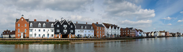 Wivenhoe waterfront panorama