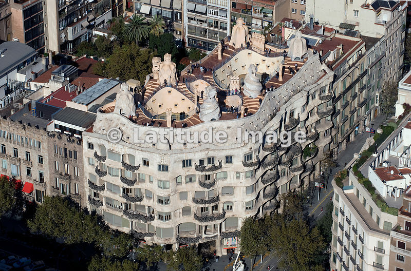 Latitude image la pedrera or casa mil design by architect antoni gaud barcelona aerial photo - Casa la pedrera gaudi ...