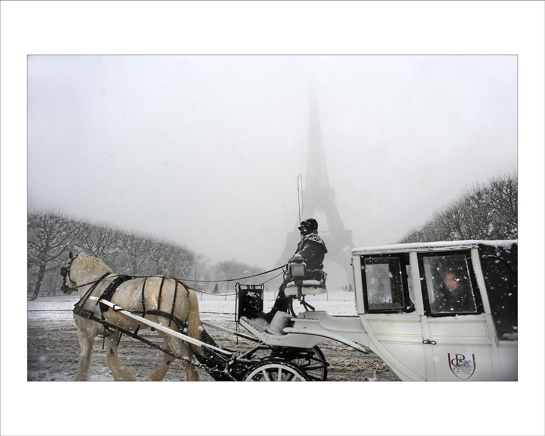 Alfred yaghobzadeh photography horse drawn tourist for Photography prints for sale