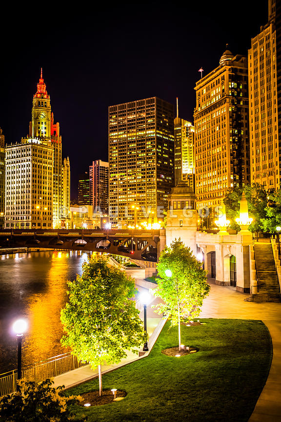 Image: Chicago at Night Picture Large Canvas Print, Buy Stock Photo ...