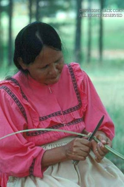 Traditional Native American Basket Weaving : Jack corn photography choctaw basket weaver