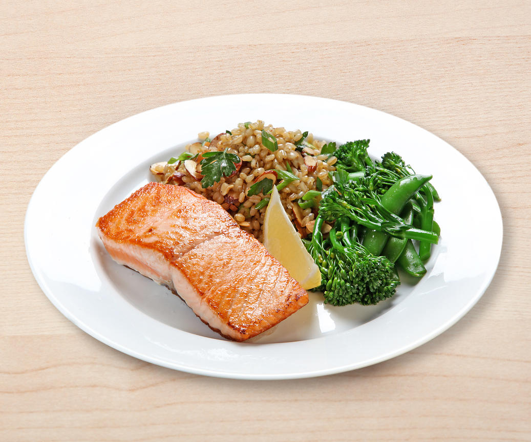 Healthy dinner plate with salmon. & Ann Cutting Photography Healthy dinner plate with salmon.