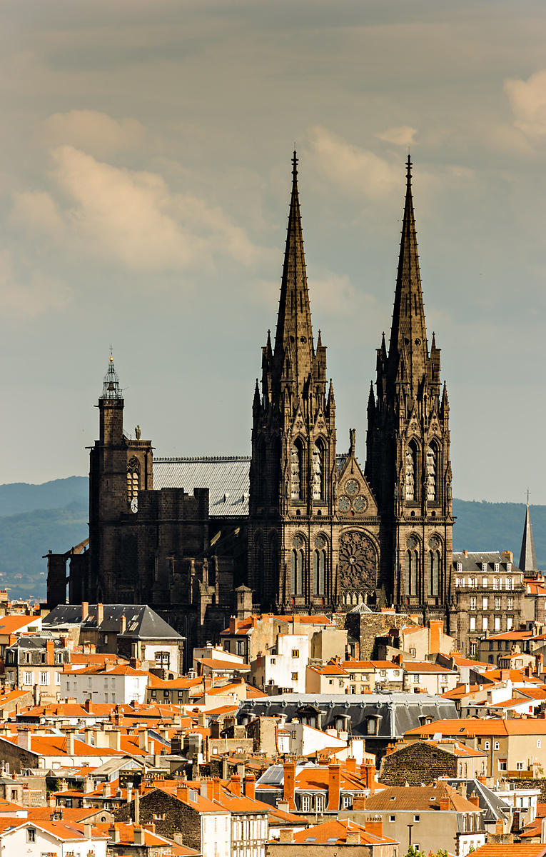 photostock arnaud frich roofs and cathedral of clermont ferrand. Black Bedroom Furniture Sets. Home Design Ideas