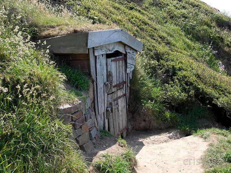 Source: http://www.cristofa.co.uk/media/67d23972-8b52-11e0-b229-5900afd339cf-hawker-s-hut-on-the-cliff-at-morwenstow