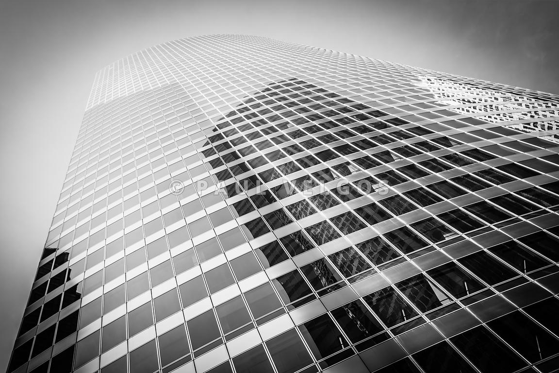 Image Chicago Curved Building In Black And White Large