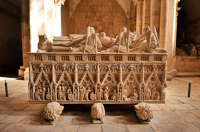 King Dom Pedro gothic tomb in the Alcobaa monastery, a UNESCO World Heritage Site. Portugal