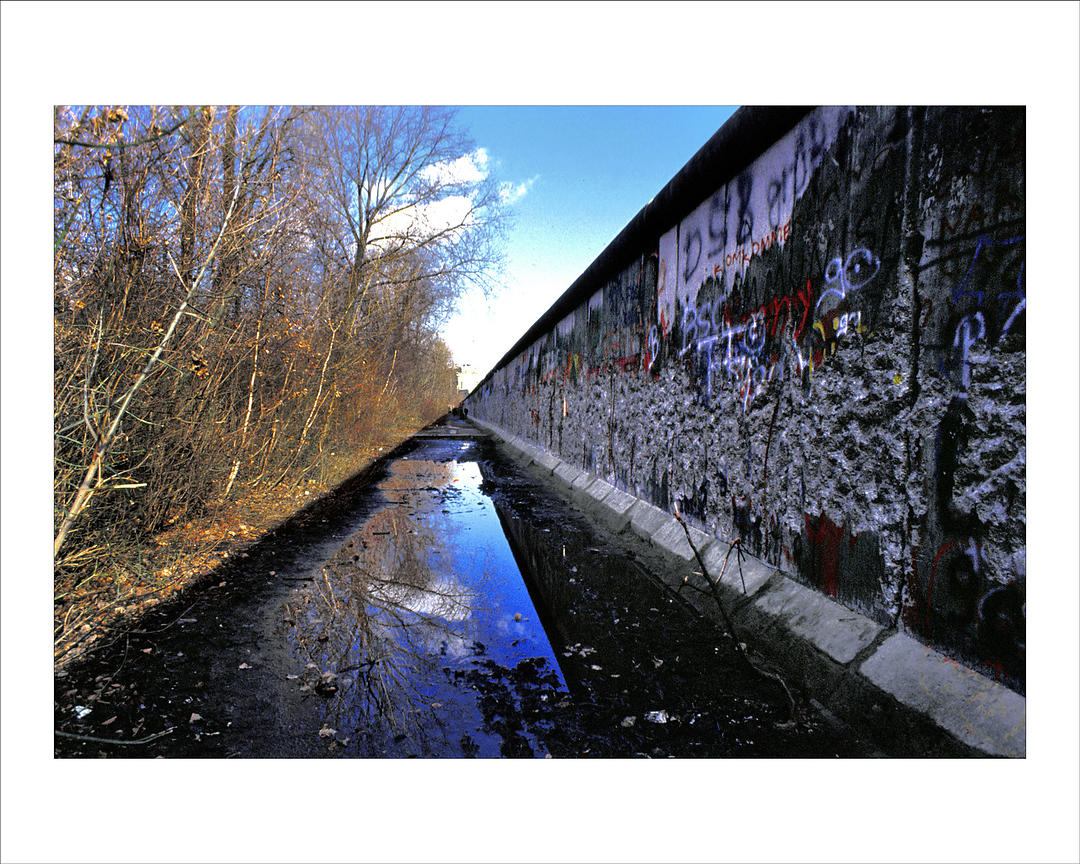 Alfred yaghobzadeh photography reflection of berlin wall for Photography prints for sale