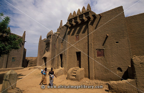 Traditional Moroccan Style Mud House, Djenné, Mali