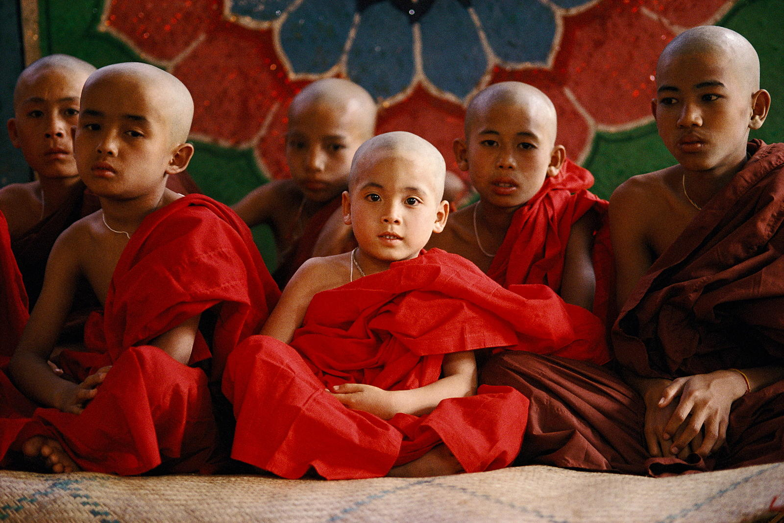 Novice_monks