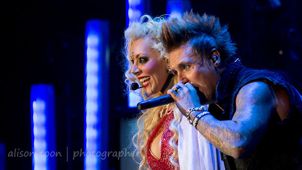 Jacoby Shaddix, Papa Roach, and Maria Brink, In This Moment
