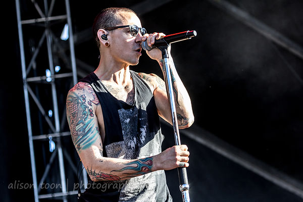 chester bennington let down