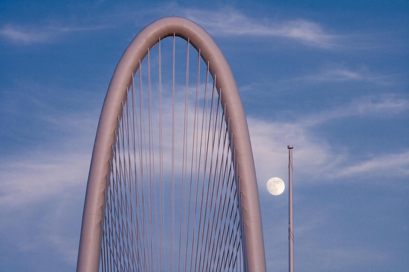 Clark Crenshaw Photography   Margaret Hunt Hill Bridge and