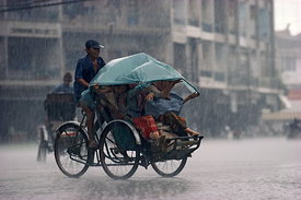 Cyclo in rain