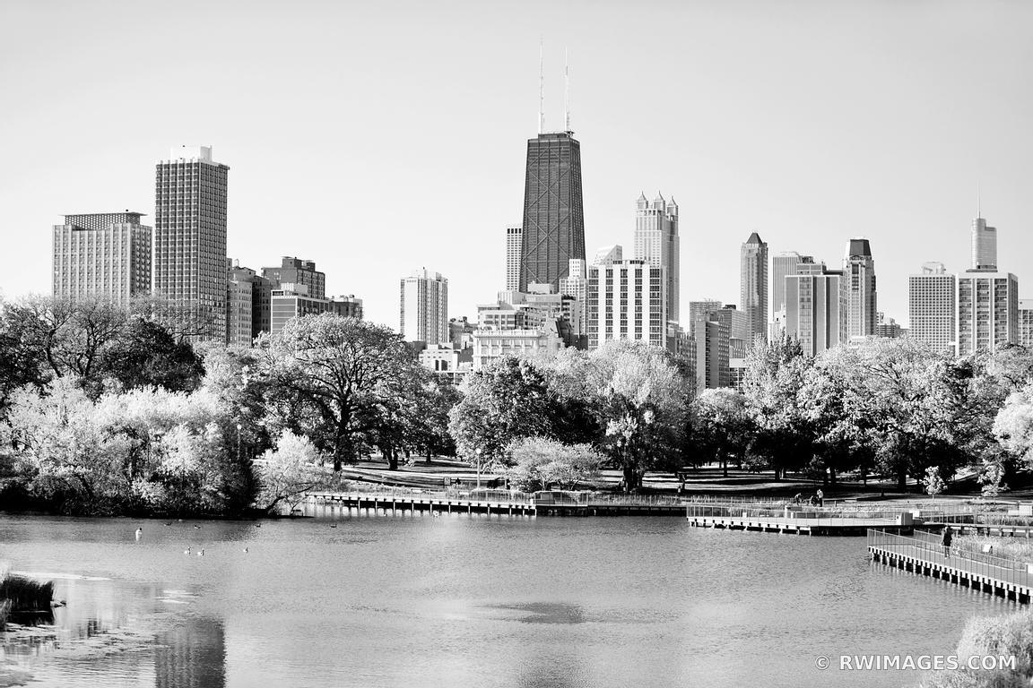 LINCOLN PARK CHICAGO SKYLINE BLACK AND WHITE