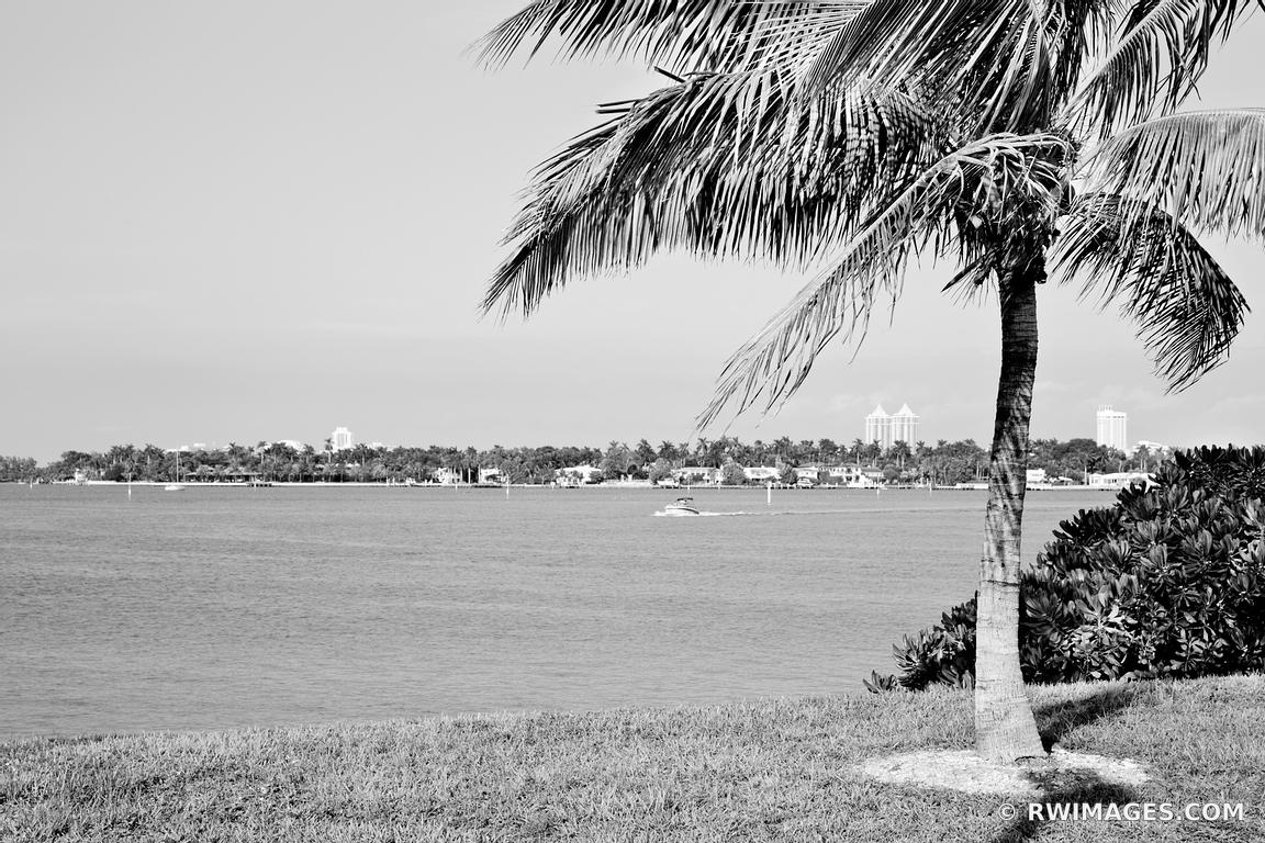 NORTH MIAMI BEACH FLORIDA BLACK AND WHITE
