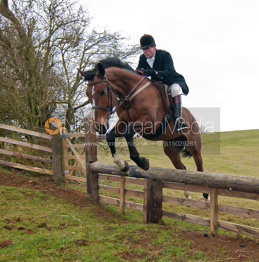 Roger Lee jumps a hunt jump near Somerby
