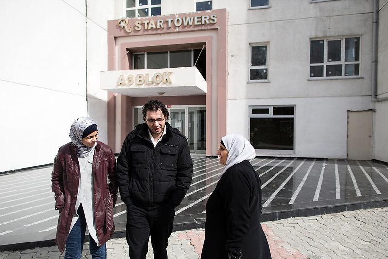 Haytham Pictures Agency   Bien qu il ne le montre pas au premier abord,  Ammar a été profondément affecté par le conflit en Syrie..Il y a environ  deux ans, ... 5f2fc4fddbfd