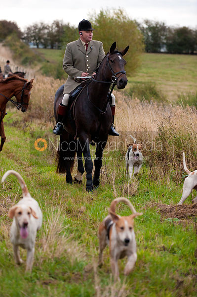 Norman Fine - Foxhunting Life photos