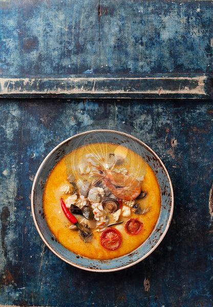 15) wonton soup