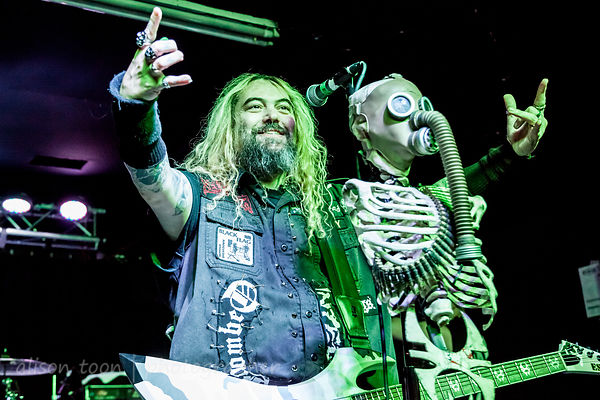 … and here it is, the Soulfly photo gallery!
