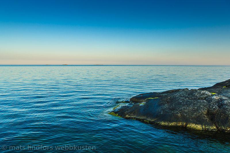 Klippa vid havet Stockholms skärgård