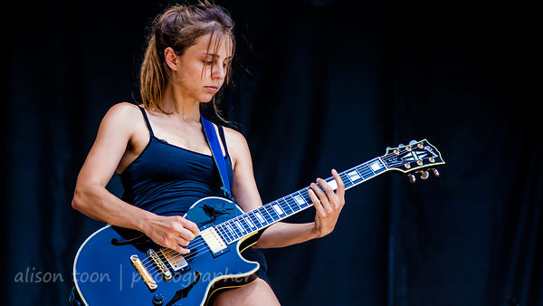 Siouxsie Medley, guitar, Dead Sara, Aftershock 2013