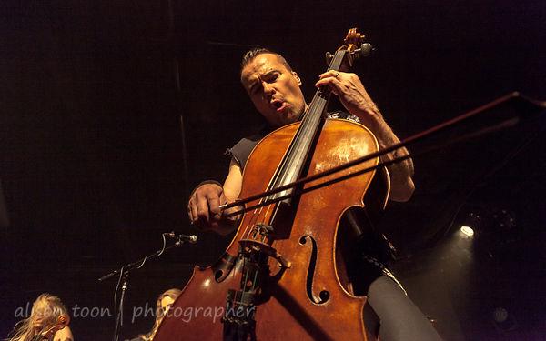 Paavo Lötjönen, cello, Apocalyptica