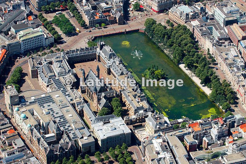 Latitude image binnenhof complex den haag aerial photo for Auto interieur reinigen den haag