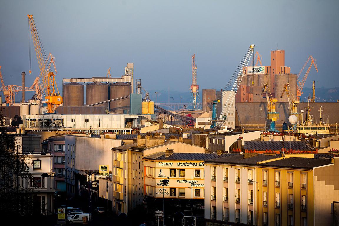 Franck betermin photographe le port de commerce de brest - Restaurant port de commerce brest ...