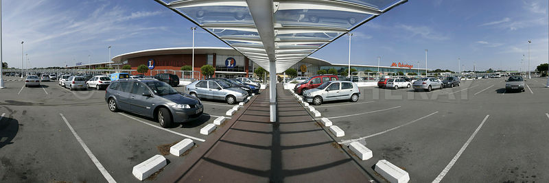Photos centre commercial pole sud parking for Leclerc meuble pole sud