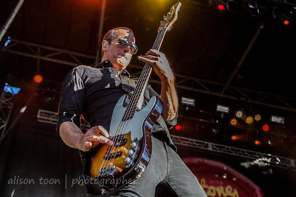 Robert DeLeo, bass, Stone Temple Pilots
