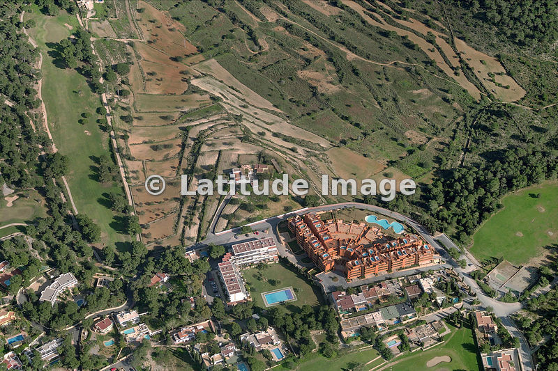 Latitude image urbanizaci n club de golf roca llisa - Residence de standing saota roca llisa ...